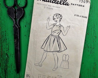 Vintage 40s 50s Sewing Pattern Girls Slip Petticoat Knickers Age 2 3 4 years 1940s 1950s childrens underwear pattern - Maudella 1309