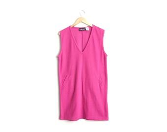 Size L/XL // SALE // PINK Knit Pocket Jumper // Hot Pink - V-Neck - Sleeveless Oversized Sack Dress - Vintage '90s.