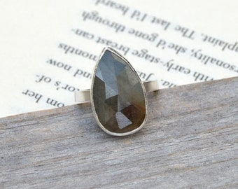 Rose Cut Sapphire Ring, Bi Colored Sapphire Ring, 6.75ct Raindrop Sapphire In Cambridge Blue And Raw Umber