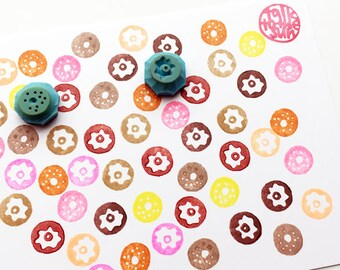 tiny donut rubber stamp set. doughnut hand carved rubber stamps. sweets cake stamp. baking stamp. planner stamp. diy birthday. set of 2