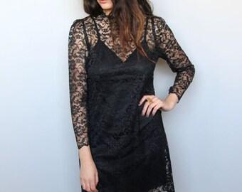 bombshell -- vintage 80s black lace sheath dress S/M