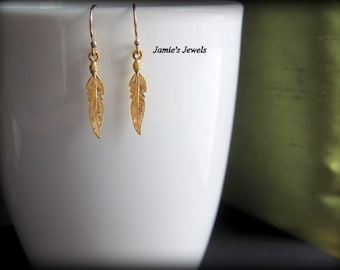 Tiny Gold Feather Earrings - Tiny Feather Earrings -Everyday Gold Earrings - Minimal Gold Earrings - Gold Minimal  Earrings- Modern Gold