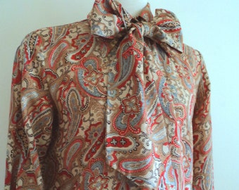 Bullock's Vintage 1970's Ladies Blouse // Pussy Bow Paisley Print Long Sleeve Blouse Top