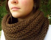 CHOCOLATE BROWN Bosso Ribbed Infinity Cowl Hand Knit Scarf Snood