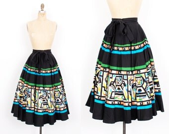 Vintage 1950s Skirt / 50s Cotton Aztec Print Mexican Skirt / Black ( S M L )