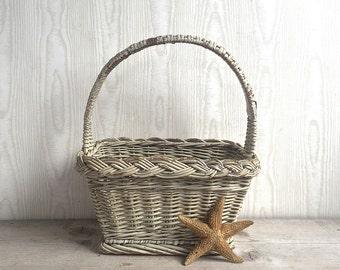Vintage Basket, Rustic Cottage Primitive Woven Handle Small White