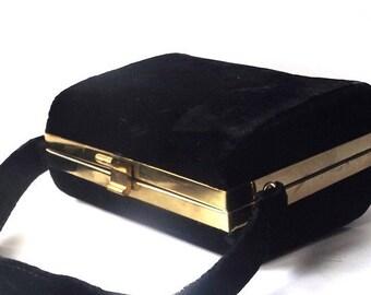 vintage 1950's black velvet box purse velour handbag classic formal evening dress retro fashion accessories accessory holiday party womens