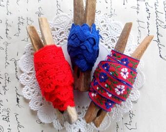 Trio of Vintage Lace Trims / Red & Blue  / Floral Trims / Old Lace