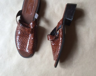 vintage 90's square chunky heel mules / flats / woven leather sandals / cut out strap