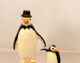 Hagen Renaker Miniature Penguin Figurines Papa and Baby Porcelain Birds 231
