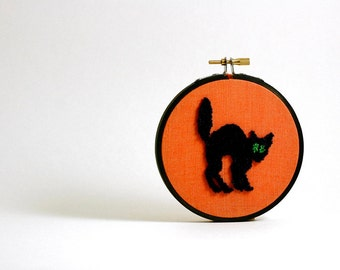 Ready to Ship! Black Cat Halloween Decoration. Autumn Fall Home Decor. Orange and Black. Punch Needle Embroidery Hoop Art 4 inch hoop
