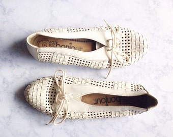 Vintage 1980s White Leather Woven Oxford Flats | Size 8