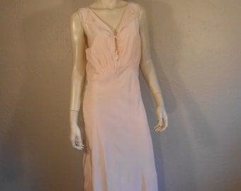 Donde Esta Mi Esposo - Vintage 1950s Petal Pink Rayon Nightgown w/Stitched Burros - 34