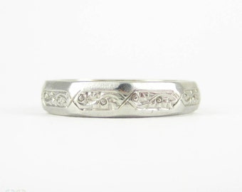 Vintage Engraved Platinum Wedding Ring, Faceted Shape Wedding Band with Floral Pattern. Circa 1930s, Size K / 5.4.
