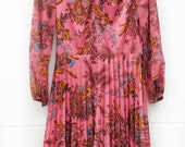 Carine, Vintage, 1970s Floral Pink Pleated Midi Dress with Long Sleeves, Paris Vintage, Large