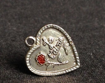 I love you. French sweet heart statement pendant.