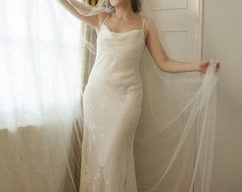 Art Deco Veil with  pearls, Ivory 1930s style veil cathedral length veil, chapel length. 1930s wedding dress