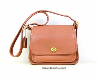 Vintage USA  Coach Tan Color Leather Cross Body Purse , Messenger Bag, Shoulder Bag, Coach -9061