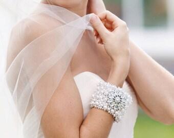 Bridal Bracelet, Wedding Cuff, Pearl Bracelet, Wedding Jewelery, Vintage Inspired, Bridal Accessories