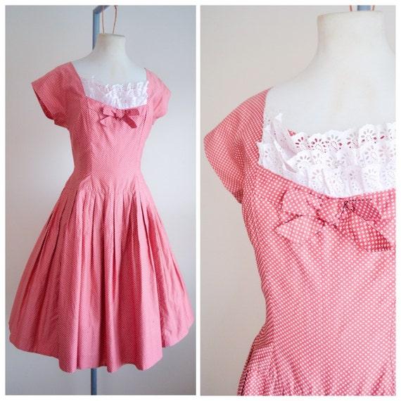 1950s Red cotton dogtooth spot day dress / drop waist & broderie anglaise bib - S