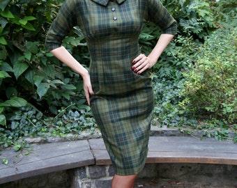 50s plaid dress in green wool, size US 10 / wiggle dress / winter dress / vintage style dress /