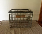 Amazing VINTAGE MILK CRATE. Vintage storage / organisation.