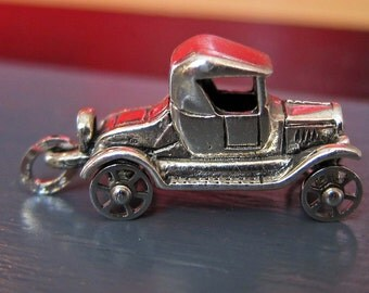 Sterling Silver 3D Classic Old Car Moving Wheels Charm or Pendant