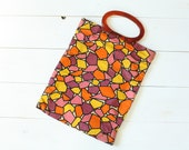 Vintage 60s Purse/ 1960s Fabric Purse/ Colorful Geometric Print Purse w/ Lucite Handle