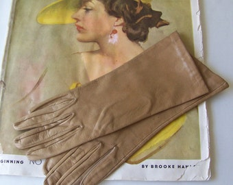 Vintage Gloves Tan Color Leather Ladies Size 6 1/2 Gloves By Superb New In Package 1960s Soft Buttery Leather