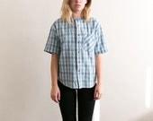 Boxy Denim Shirt / Plaid Button Up / Light Wash 90s Grunge Womens Vintage Blouse / Oversized Denim Jeans Checkered Pocket Top