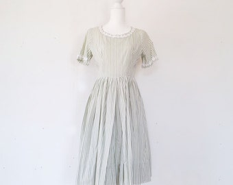 1950s Green Fit and Flare Dress 50s Vintage Cotton Rockabilly Full Circle Skirt Cottage Shabby Chic Medium White Striped Garden Party Dress