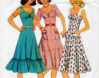 1970s Sun Dress Pattern Style 1566 Vintage Sewing Pattern Knee Length Flared Summer Sundress or Pinafore Bust 32.5