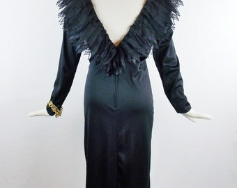 VICTOR COSTA DRAMATIC Ruffled Collar Low Plunging Black Holiday Cocktail Dress Sz 6 Designer Vintage