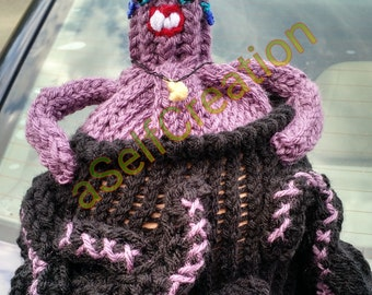 Villainess Under the Sea Hat - Loom Knit Pattern