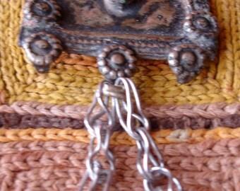 Red Kuchi tarnished small dangle chain pendant (T)