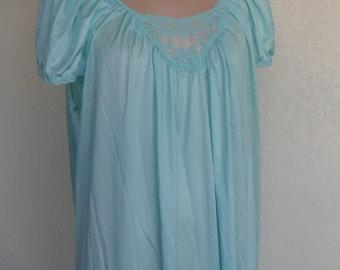 Vintage Nightgown and Robe Peignoir Set Lace Nylon Lorraine Size 1X 2X