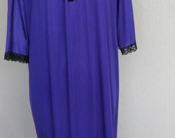 Vintage Nightgown Lady Romance Purple Black Lace