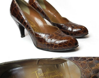 1950s Troylings alligator pumps / vintage brown reptile leather heels / size 7