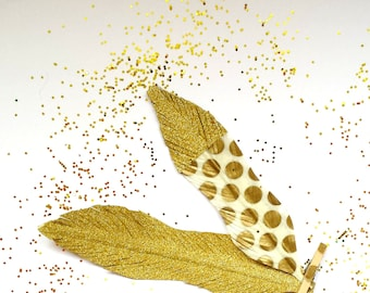 Deluxe Gold Feather - Gold Glitter Wedding