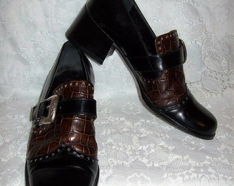 Vintage Ladies Black w/ Brown Croc Embossed Leather Loafers Pumps by Brighton Size 6 1/2 Only 9 USD