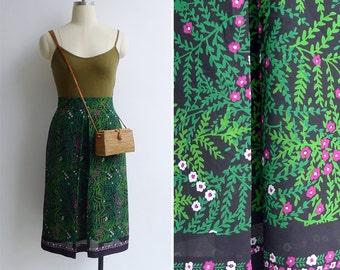 10 to 25% OFF (See Shop) Vintage 80's 'Secret Garden' Floral Vine Scarf Print Skirt XS
