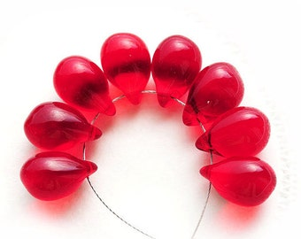 Siam Red Teardrops, czech glass, Transparent Red Briolettes, pressed drop beads - 10x14mm - 6Pc - 1149