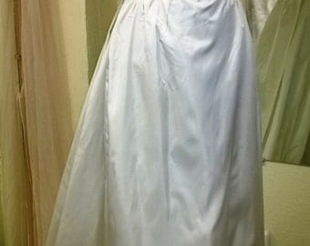 Vintage Mod 1960s Wedding Dress with elbow length sleeves, Boat neck and  Detachable Train Size 8-10