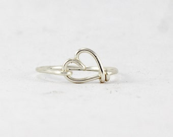 Silver Heart Ring, Wire Heart Love Ring, Heart Shape Dainty Ring, Girlfriend Best Friend Gift Ring, Sweetheart Ring, Bridesmaids Gift
