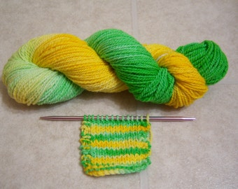 Handspun Merino Yarn, Gradient Yarn / Hand Dyed Yellow and Green Gradient / Worsted Weight, 4 oz., 200 yards
