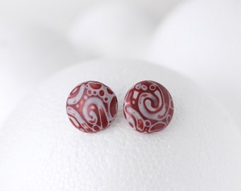 Burgundy red and white round earrings silver plated stud simple earrings polymer clay maroon cardinal red