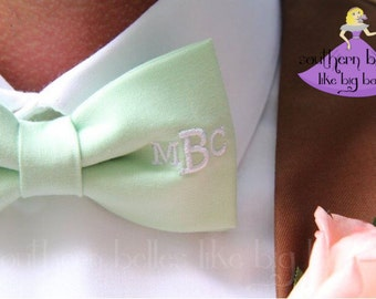 Southern Wedding Bow Tie with Monogram, Groomsmen Bow Tie, Personalized Wedding Bow Tie, Groomsmen Gift, Ring Bearer Tie, Southern Wedding