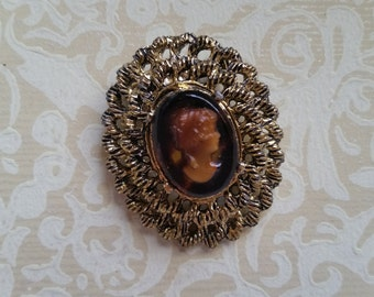Ornate Vintage Amber Cameo Brooch Pin Gold Tone