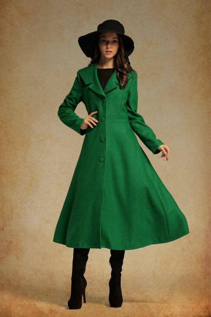 Green coat long – Novelties of modern fashion photo blog