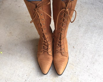 Gorgeous Vintage Brown Suede Leather Lace Up Boho Knee High Boots // Women's size 6 6.5